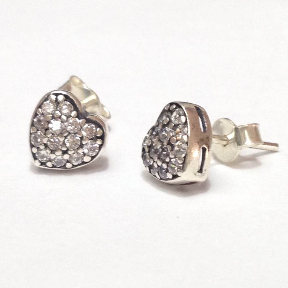 Br-21 Brincos Coração em Prata e Zirconias Brancas