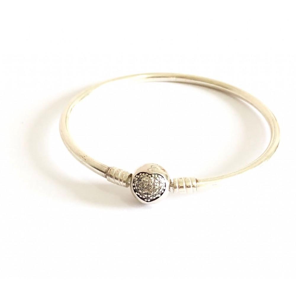 Bracelete Rígido Fecho Coração Cravejado Prata