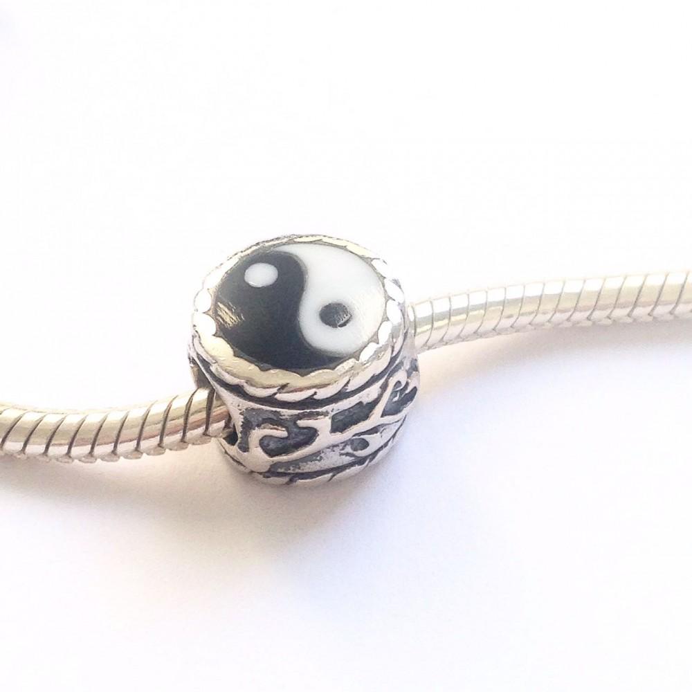 Berloque Yin Yang em Prata e Esmalte