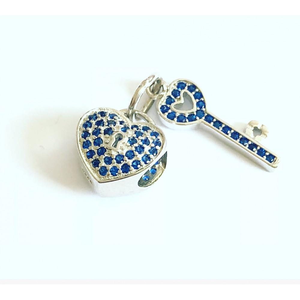 BE-92 Berloque Coração e Chaves em Prata 925 e Zirconias Azuis