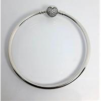 Bracelet Rígido Fecho Coração Cravejado Prata