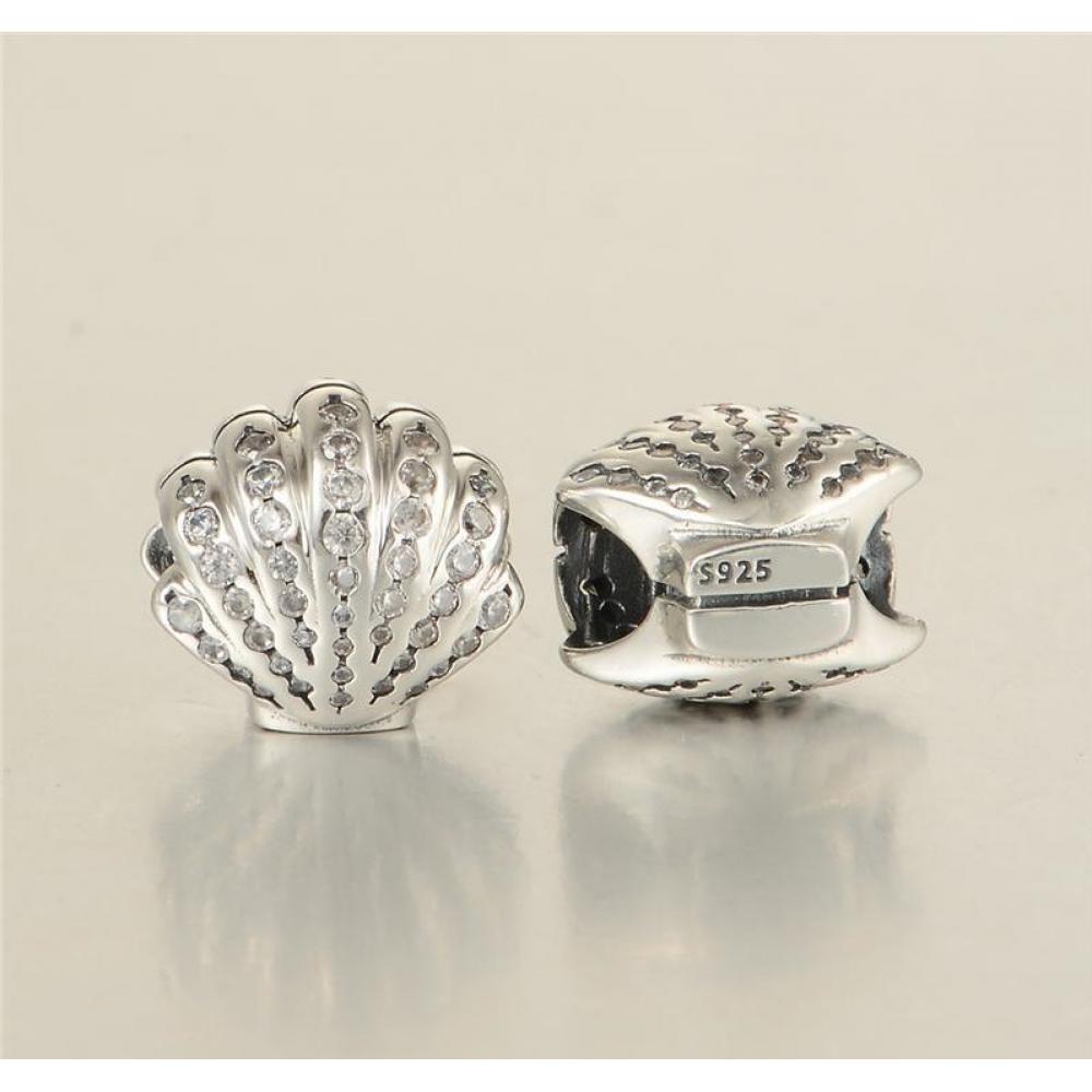 BE-81 Berloque Concha em Prata 925 e Zirconias Brancas
